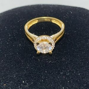 Authentic 18K Yellow Gold Ring